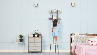 Tic-Tac-Toe wall shelf